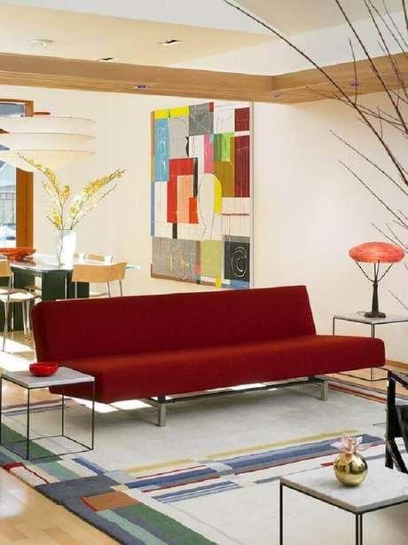 16. Modelo de sofá sem braço simples com tecido vermelho – Foto: Assetproject