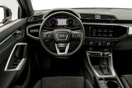 Novo Audi Q3: painel virtual na versão topo de linha.