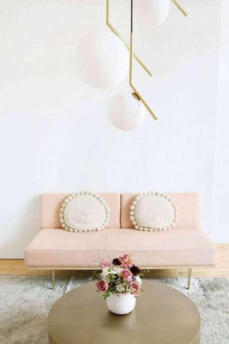 52. Sofá 2 lugares sem braço com design minimalista – Foto: Roomed