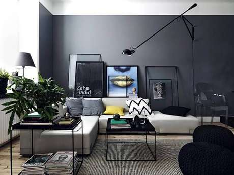 54. Sala cinza decorada com móveis minimalistas e sofá de canto sem braço – Foto: Pinterest