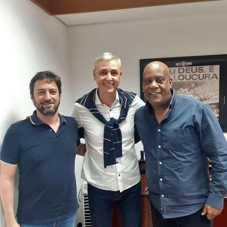 Tiago Nunes posou ao lado de André Negão e Duílio Monteiro Alves (Foto: Reprodução/Instagram)