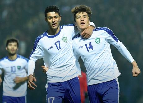 Uzbequistão fez 2 a 0 na Palestina e assumiu a liderança do grupo D (Foto: Reprodução)