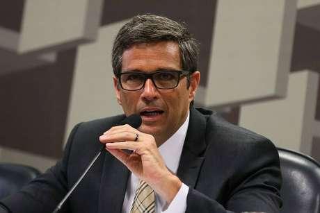 Campos Neto negou que o presidente Jair Bolsonaro tenha ligado, na segunda-feira, para perguntar sobre o nível recorde registrado pelo dólar