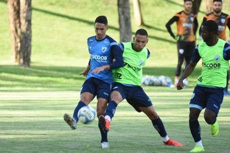 Londrina precisa da vitória parar seguir na luta pela permanência na Série B (Foto: Gustavo Oliveira/Londrina)