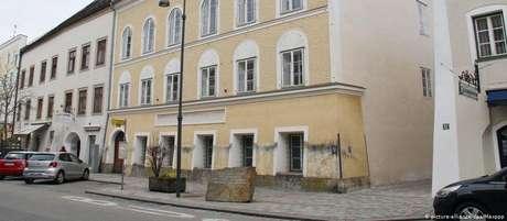 O líder nazista viveu os seus primeiros meses de vida num dos pisos deste edifício
