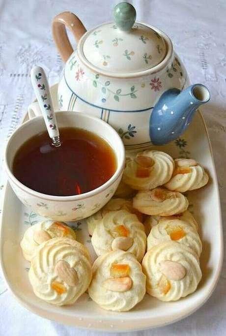 19. Use suas melhores louças para uma linda mesa de café da manhã decorada – Foto; Month of sundaes