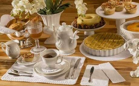8. Invista em guardanapos de tecido para uma mesa de café da manhã chique – Foto: Relevo Guardanapos