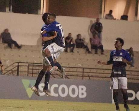 Caio Rangel e Zé Roberto marcaram na goleada do São Bento (Foto: Neto Bonvino/São Bento)