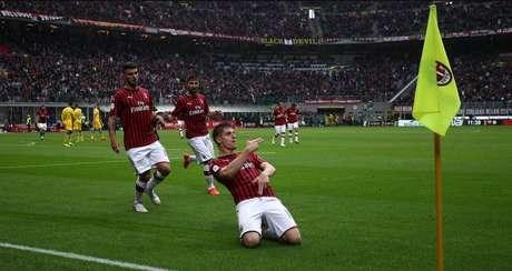 Milan perdeu os últimos três clássicos no Italiano (Foto: Divulgação/Twitter Milan)
