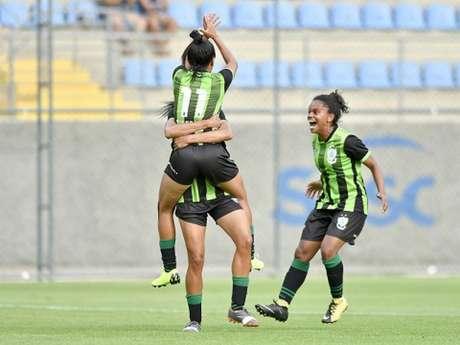 O time americano superou as meninas do Galo e tentarão manter a hegemonia em Minas Gerais- (Mourão Panda/América-MG)