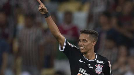 Sem Pedrinho em campo, Corinthians ainda não venceu no Brasileirão; com ele tem desempenho de G4 (Foto: AFP)