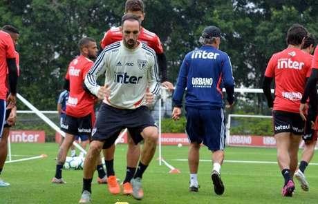 'Faltam 15 pontos, não? Então temos que ganhar os 15', diz Juanfran - FOTO: Érico Leonan/saopaulofc.net