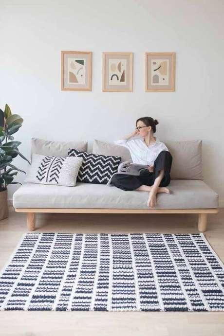 4. Tapete de crochê quadrado para sala – Por: Pinterest