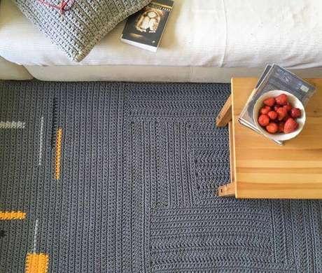68. Tapete de crochê grande e quadrado para sala – Por: Dicas de Mulher