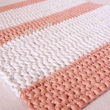 12. Tapete de crochê quadrado com duas cores – Por: Arquitetura e Crochê