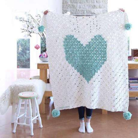 27. Tapete de crochê quadrado com formato de coração – Por: Red ágape