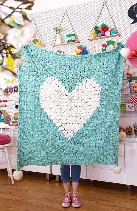 17. Tapete de crochê quadrado com formato de coração – Por: Pinterest