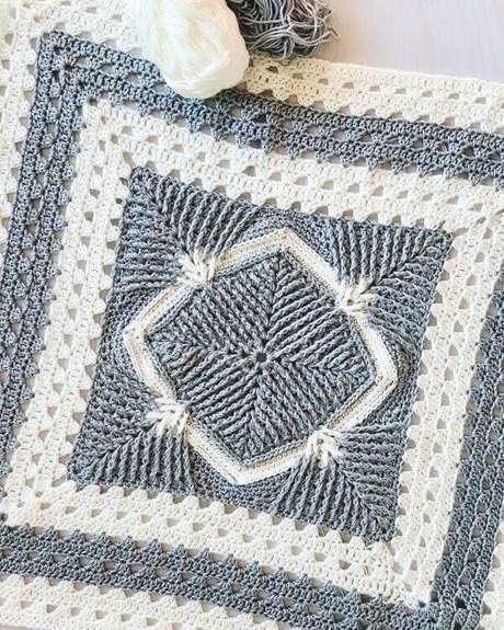1. O tapete de crochê quadrado fica lindo na decoração – Por: Alejandra