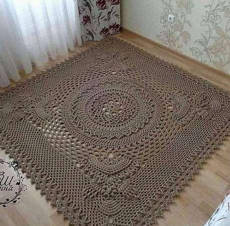 30. Siga o gráfico do tapete de crochê quadrado para usar na decoração – Por: Pinterest