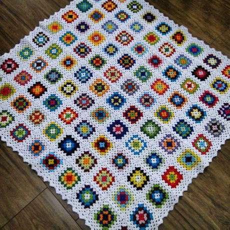31. Tapete quadrado de crochê – Por: Puro Amor Crochê