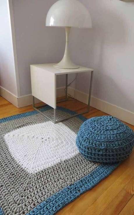 39. Tapete de crochê quadrado para sala de estar – Por: Pinterest