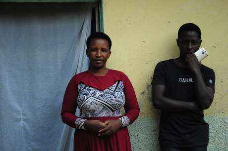 Daniel e sua mãe: ele teve coragem de contar a ela que suas economias desapareceram