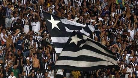 Torcida zoa botafoguenses nesta segunda-feira (Foto: Vítor Silva/Botafogo)
