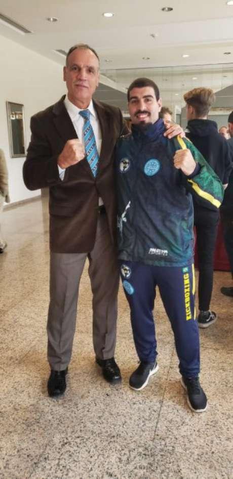 Phill Jonathan vai disputar o Mundial de Kickboxing(Divulgação)