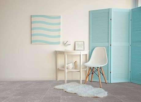 6. A cadeira eames branca combina com tudo. Projeto de Cerámica Alberdi