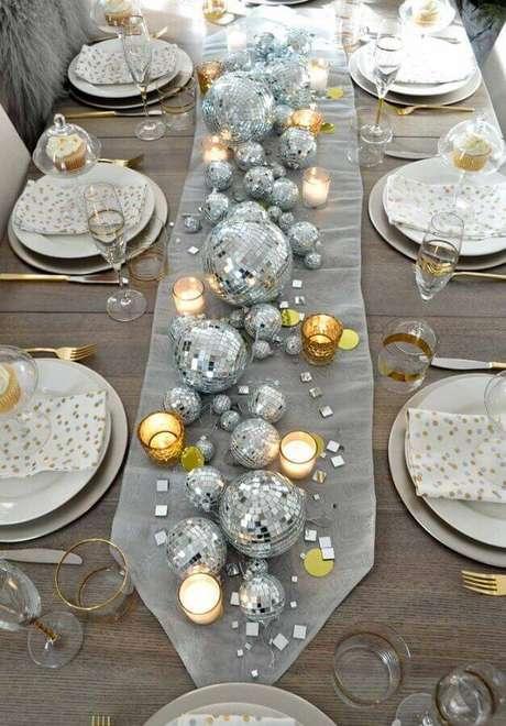 11. Pense nos detalhes para decoração da mesa de Natal – Foto: Pinterest