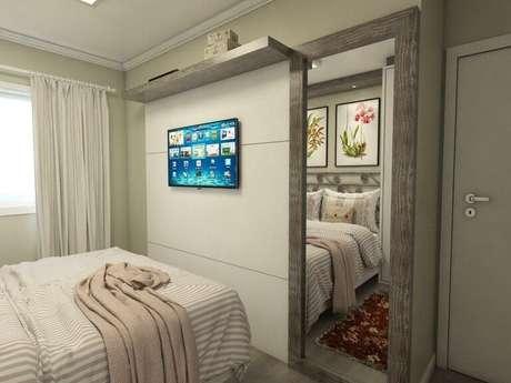 57. O espelho para quarto também possui fatores decorativos. Projeto de Ednilson Hinckel
