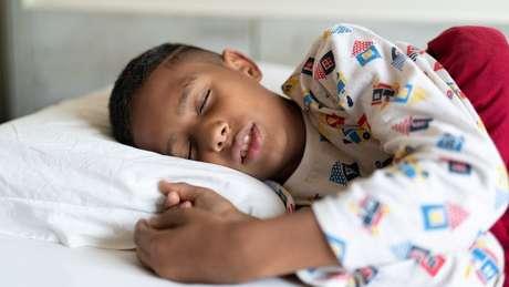 Mais empresas estão buscando ferramentas para facilitar o acesso ao sono profundo, essencial para a manutenção da memória e do cérebro