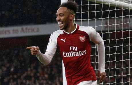 Auba em campo pelo Arsenal (Foto: Ian Kington / AFP)