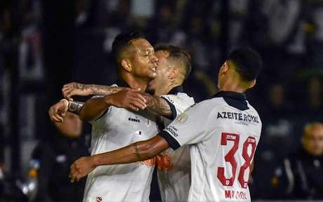 O rebaixamento já é pouco falado. O Cruz-Maltino, agora, quer a Copa Libertadores (Foto: Marcello Dias/Eleven)