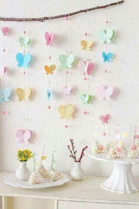 36. Varais feitos com papel colorido recortado são fofos e simples de fazer para a decoração de chá de bebê – Foto: Pinterest