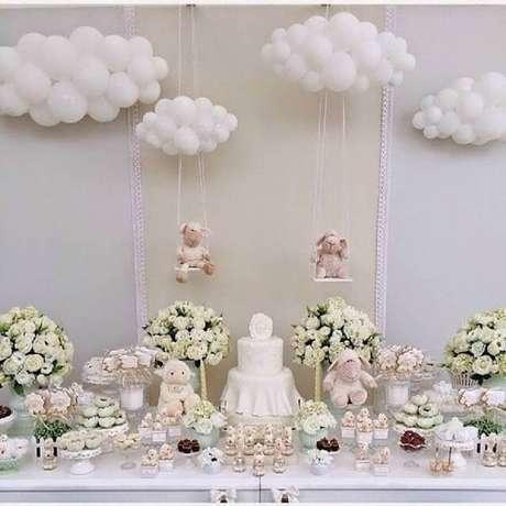 49. A decoração da mesa de chá de bebê é o ponto alto da festa, então capriche na decoração de chá de bebê – Foto: Pinterest