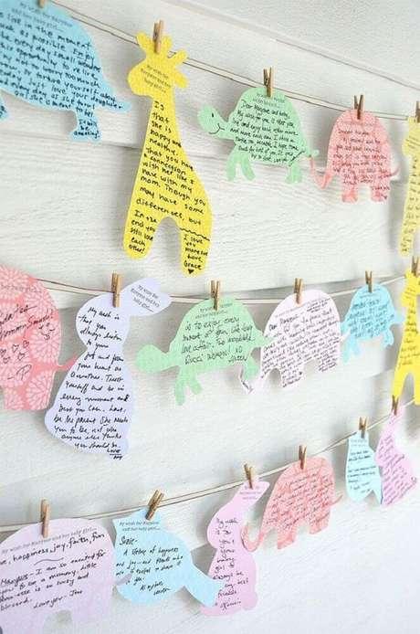 73. Invista em ideias para chá de bebê que façam os convidados interagir com o ambiente – Foto: Baby Shower Ideas