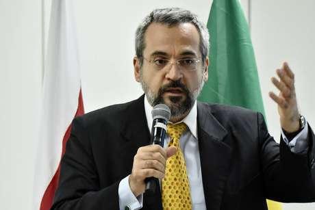Ministro da EducaçãoAbraham Weintraub anunciou o novo Revalida