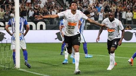 Corinthians faz 3 a 0 sobre o Avaí, em Itaquera (Foto: Peter Leone/Ofotografico/Lancepress!)