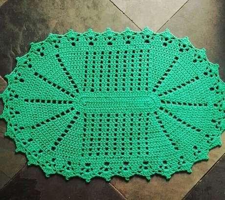 66. Tapete de crochê oval em tom verde. Fonte: Michelle Lima