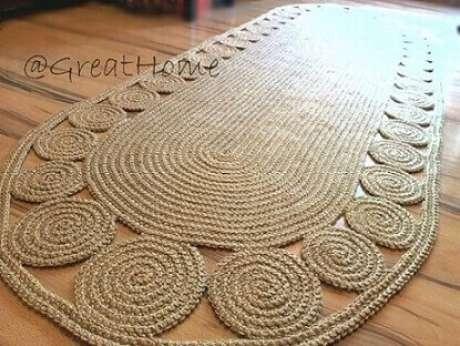 34. Tapete de crochê oval com círculos na borda. Fonte: Pinterest