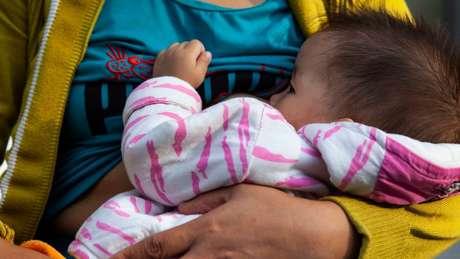 A amamentação pode reduzir as chances de uma criança se tornar obesa