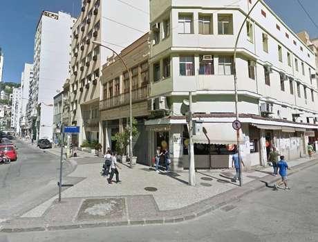 Esquina entre as Ruas dos Inválidos e do Rezende, na Lapa, centro do Rio
