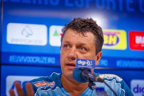 Adilson Batista assumiu o comando do Cruzeiro nesta sexta-feira (Foto: Vinnicius Silva/Cruzeiro)