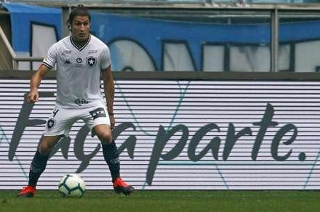 Marcinho em ação pelo Botafogo