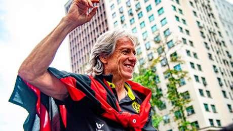Jorge Jesus tem contrato até o fim de junho de 2020 (Foto: Marcelo Cortes/Divulgação Twitter Flamengo)