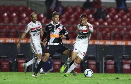 Marcos Junior, durante duelo contra o São Paulo (Foto: Rubens Chiri / saopaulofc.net)