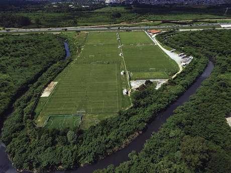 O centro de treinamentos das categorias de base do Palmeiras tem cinco campos de treino
