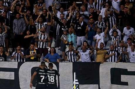 Torcida deve aparecer em bom número de novo (Foto: Vítor Silva/Botafogo)