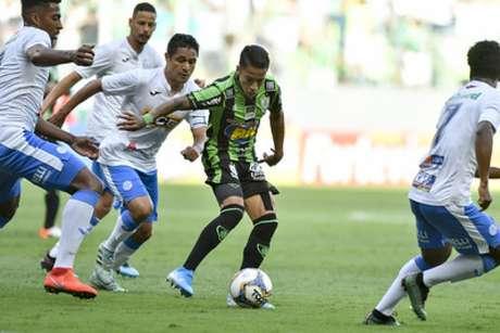 O Coelho lutou, mas não foi competente o suficiente para vencer dentro de casa o São Bento-(Mourão Panda/América-MG)